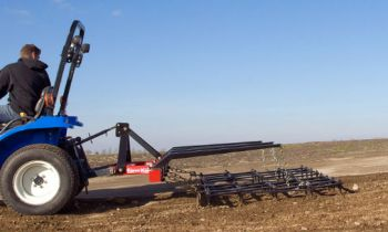 CroppedImage350210-FarmKing-Drag-Harrow-Model.jpg