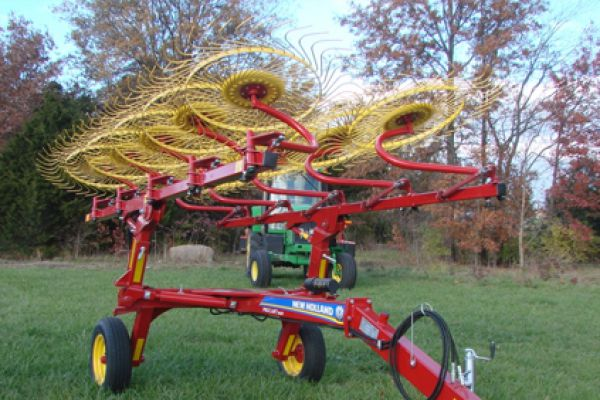 New Holland | ProCart™ and ProCart™ Plus Deluxe Carted Wheel Rakes | Model 1022 10-Wheel for sale at Sorum Tractor Co., Inc.