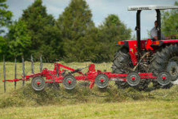 Massey Ferguson | Rakes & Tedders | 1500 Series Vertical Fold Rakes for sale at Sorum Tractor Co., Inc.