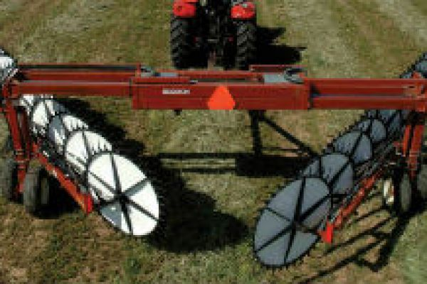 Massey Ferguson | Rakes & Tedders | 5130 Wheel Rake for sale at Sorum Tractor Co., Inc.