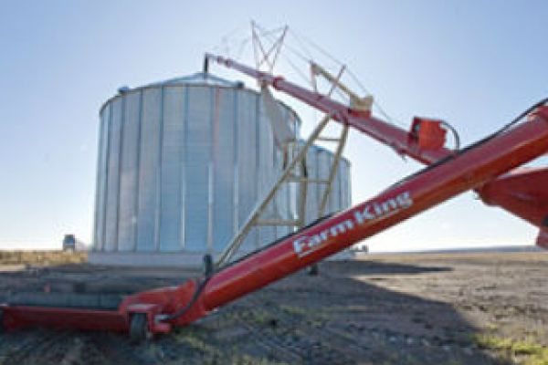 Farm King | Grain Handling | Augers for sale at Sorum Tractor Co., Inc.