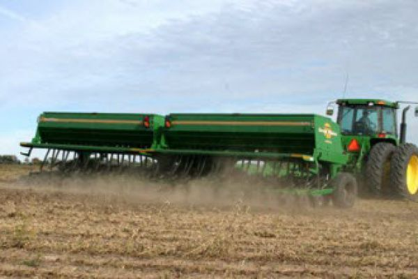 Great Plains | Cover Crops | 26'-50' Min-Till Folding for sale at Sorum Tractor Co., Inc.