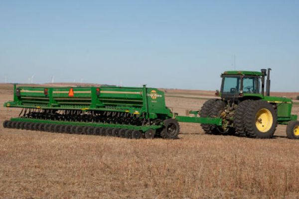 Great Plains | 26'-50' Min-Till Folding | Model 3S-3000/F for sale at Sorum Tractor Co., Inc.