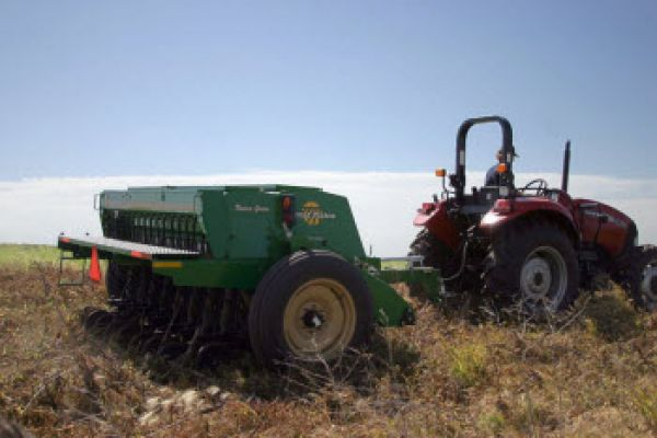 Great Plains | Cover Crops | 10' End Wheel No-Till Compact Drill for sale at Sorum Tractor Co., Inc.