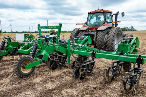 Great Plains | Fertilizer Applicators | Nutri-Pro® Pull-Type for sale at Sorum Tractor Co., Inc.