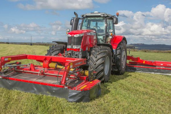 Massey Ferguson | DM Series Triple Mowers | Model DM306FZ Triple Mowers for sale at Sorum Tractor Co., Inc.