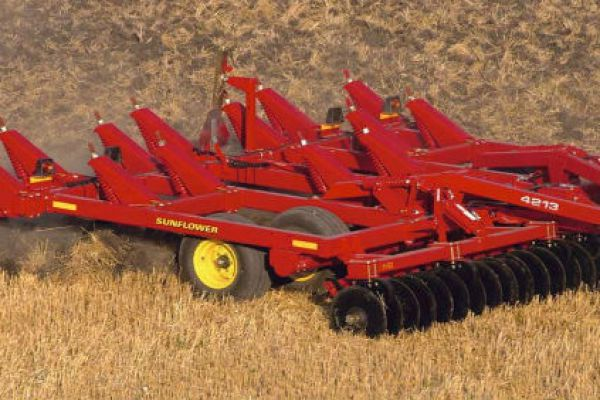 Sunflower 4233 for sale at Sorum Tractor Co., Inc.