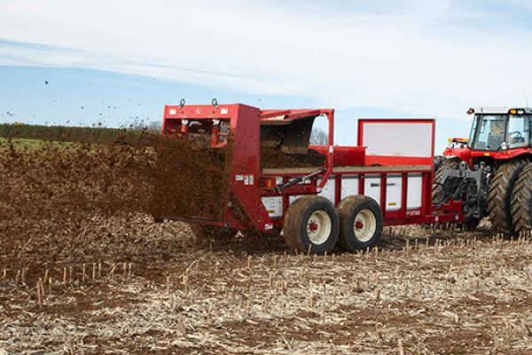 Massey Ferguson | 3700 Series Manure Spreaders | Model SP3748 for sale at Sorum Tractor Co., Inc.